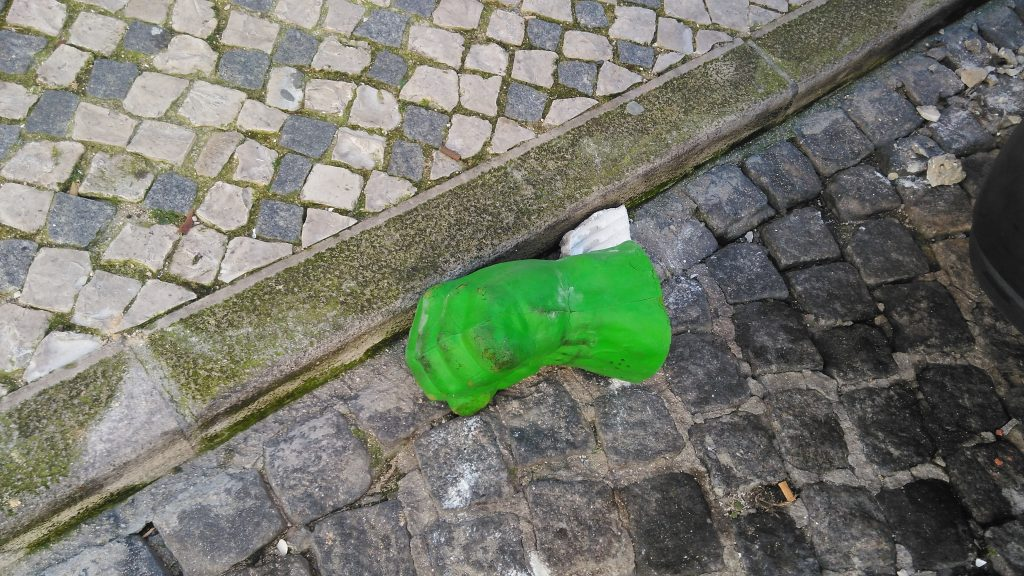 Alguém dê uma mãozinha ao Hulk