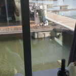 Vista da sala do barco